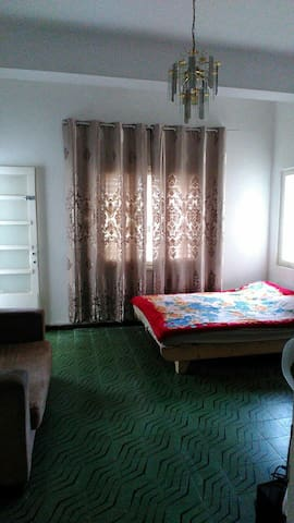 Charming 1 bed room in 3 bed room apt