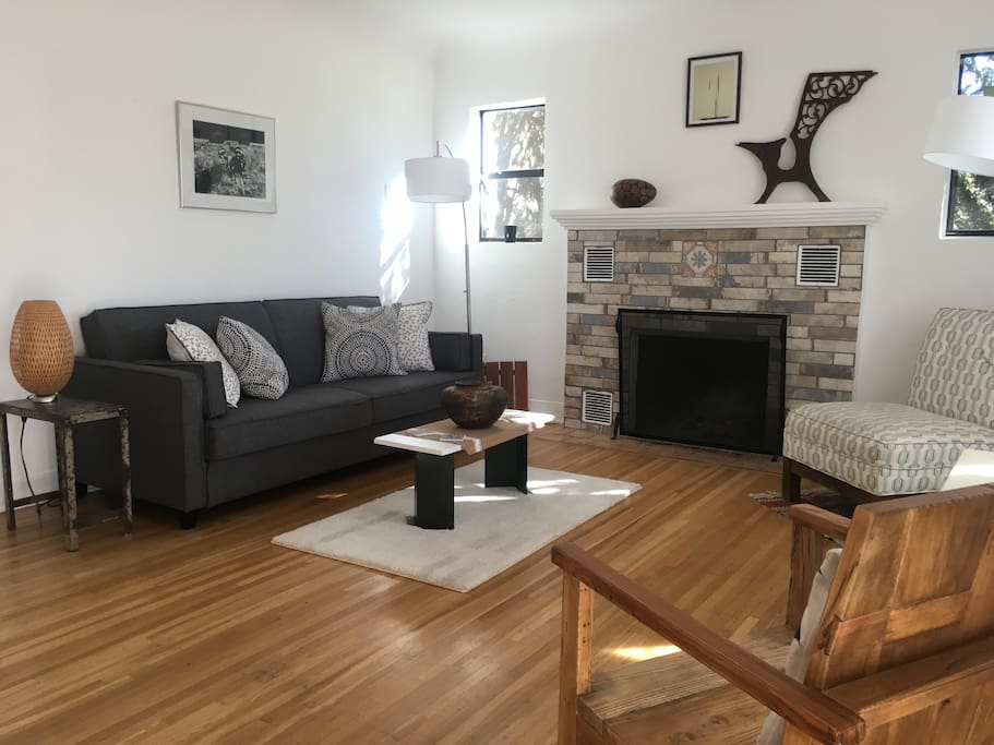 Bright Living Room w/Fireplace