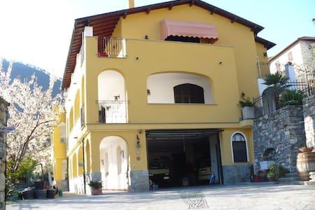 casa del ciliegio /  appartamento Girasole. - Badalucco