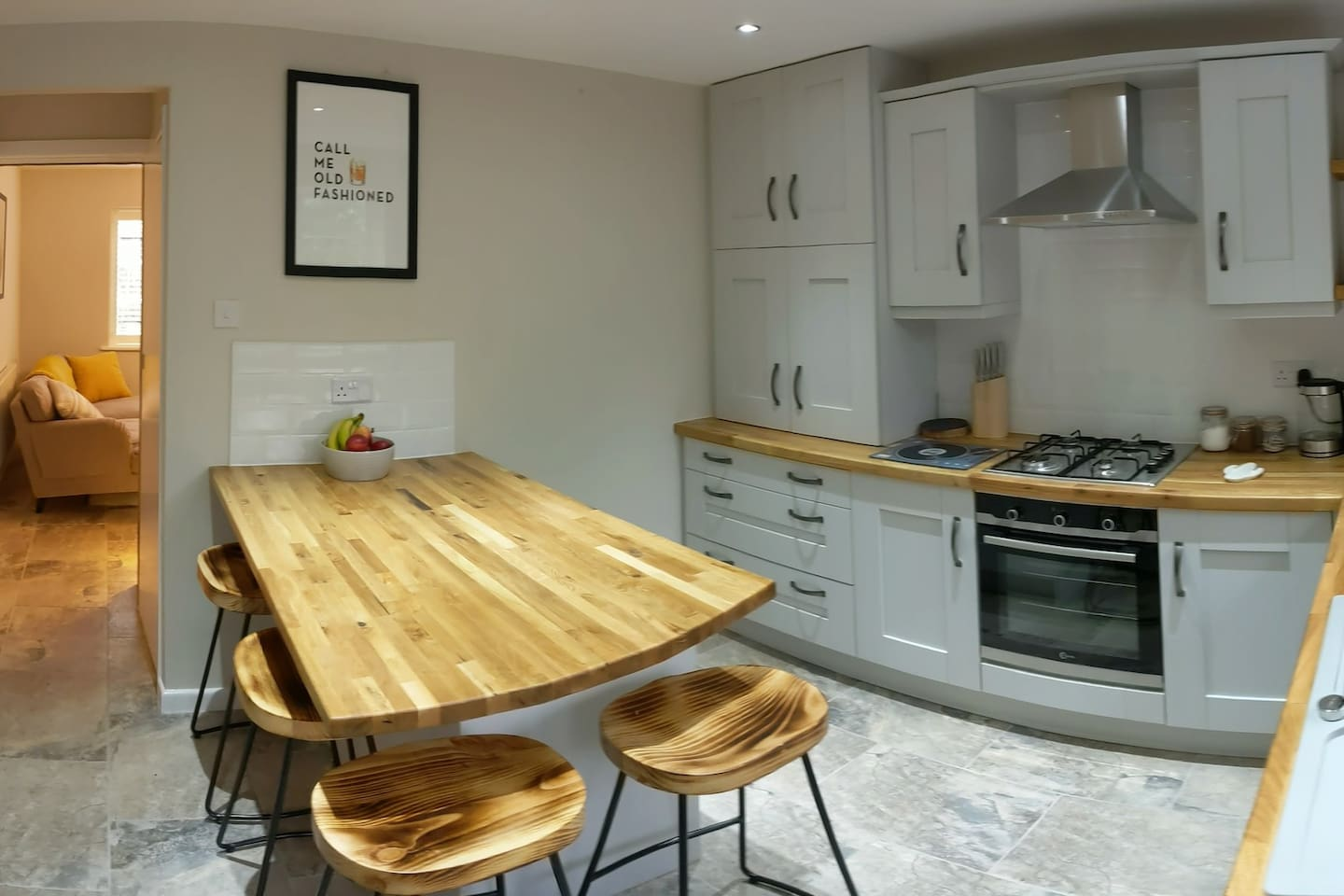 Recently Refurbished 2 bed whole house with Brand new kitchen, bathroom and off-street parking
