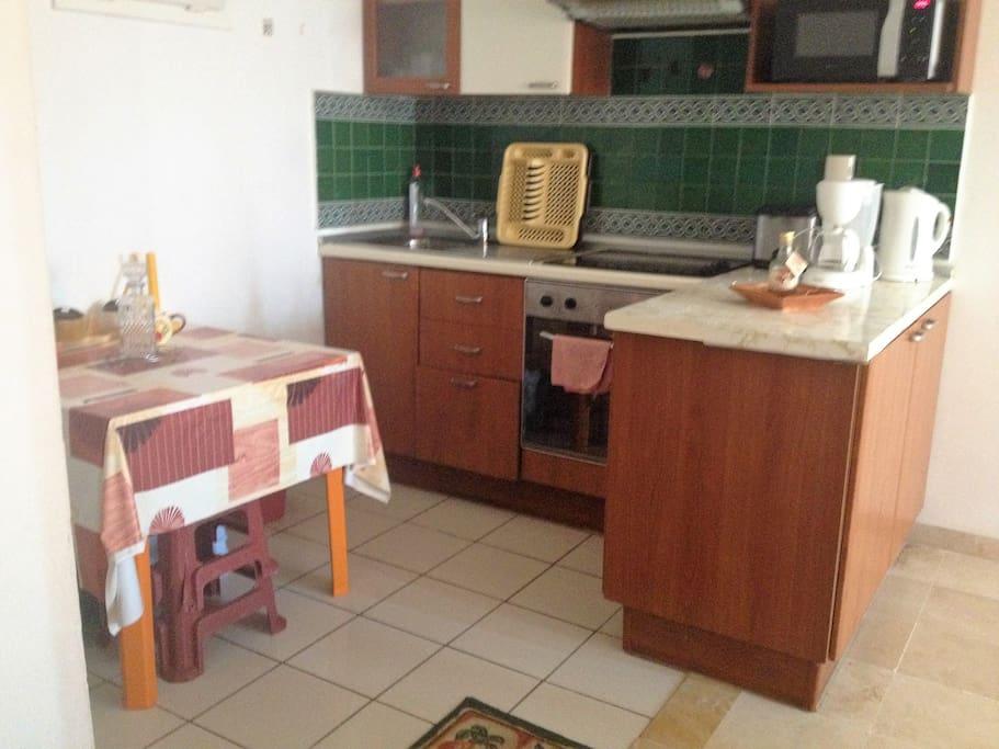 appartement de haut standing tout quip appartements louer yasmine hammamet nabeul tunisie. Black Bedroom Furniture Sets. Home Design Ideas