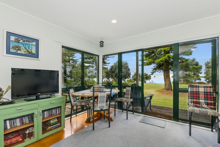 Front House - Dining Area