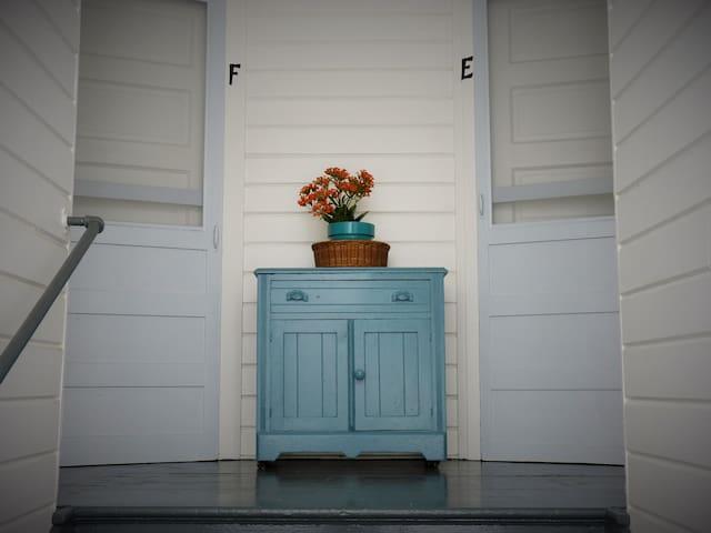 Santa Cruz Boardwalk Garden Apartment E