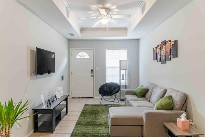 ♕McAllen♕ Luxury Living | 2BR | Alexa Smart Home
