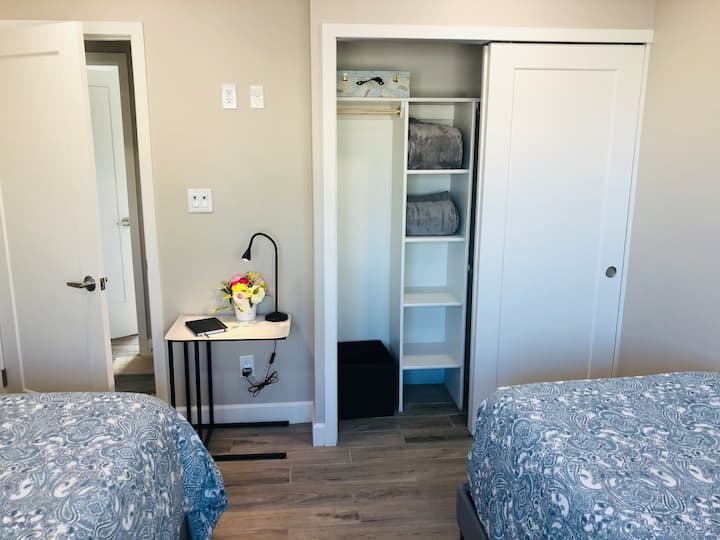 New Premier Scottsdale Location+ Private Twin Beds