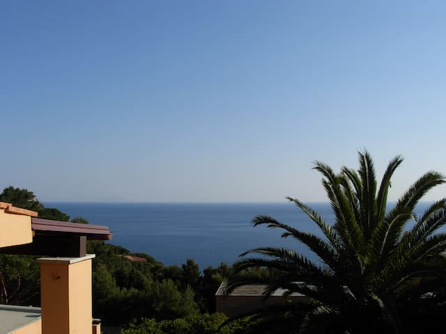 Enjoy tranquility with a sea view - Marina di Campo - House