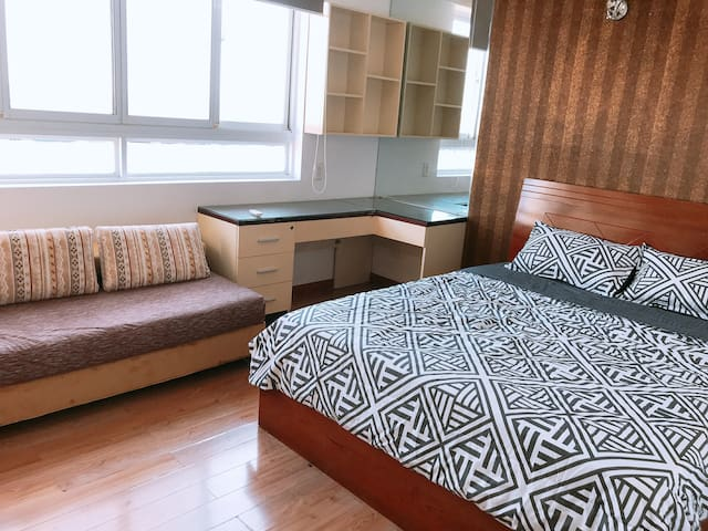 Business Room  at Parkson Plaza Apartment