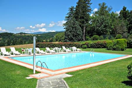 Villa di Casole - Casole - Villa