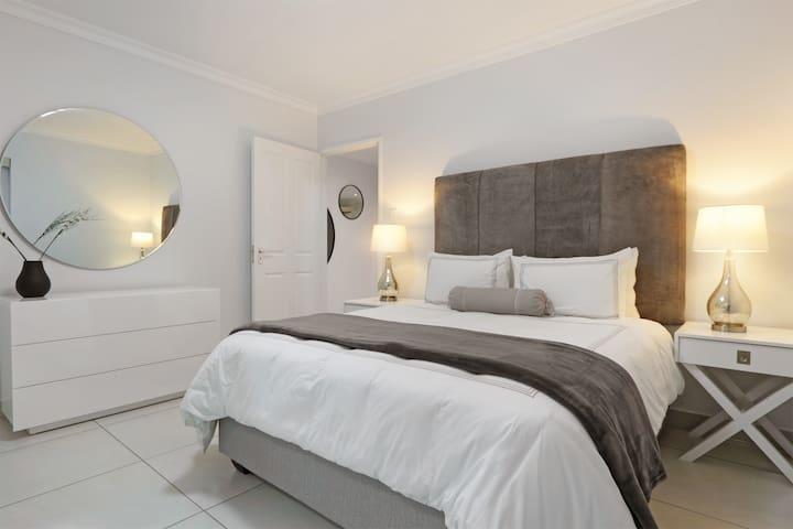 Main bedroom offers a queen sized bed with an en-suite bathroom