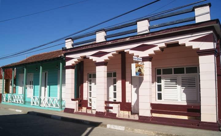 Arca de Noe  /Renta de Casa Completa ( 4 Rooms )