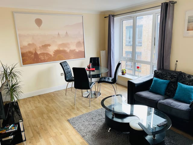 2 Bedrooms, City Centre, 100m Temple Bar