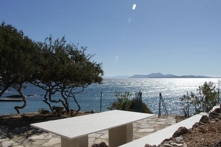 Enchantment By The Sea - Naxos - Talo