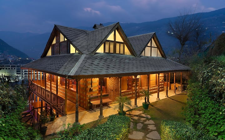 Luxurious Himalayan Chalet - Entire Cottage