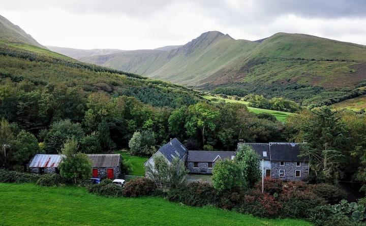 Farmhouse Rental 8 miles from Dingle