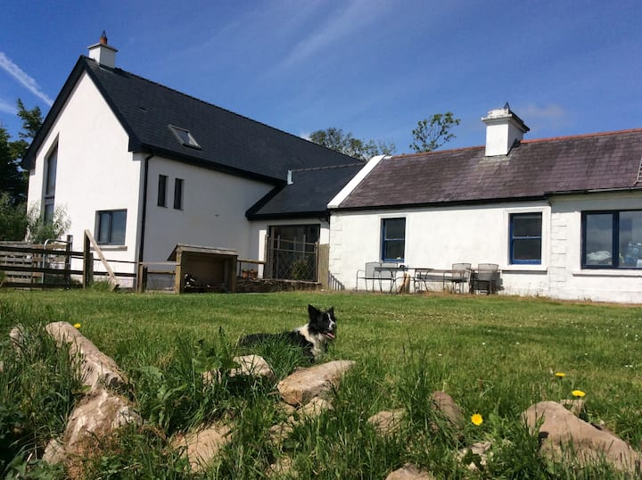 Hare House - Bed & Breakfast on farm in the wild
