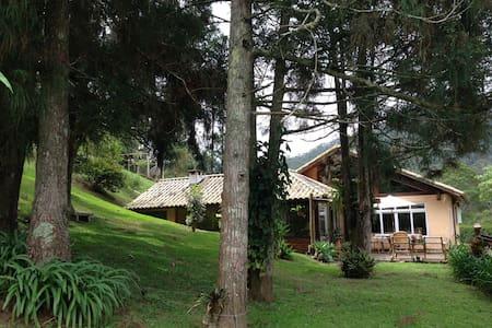 Casa na montanha em Mury - Nova Friburgo
