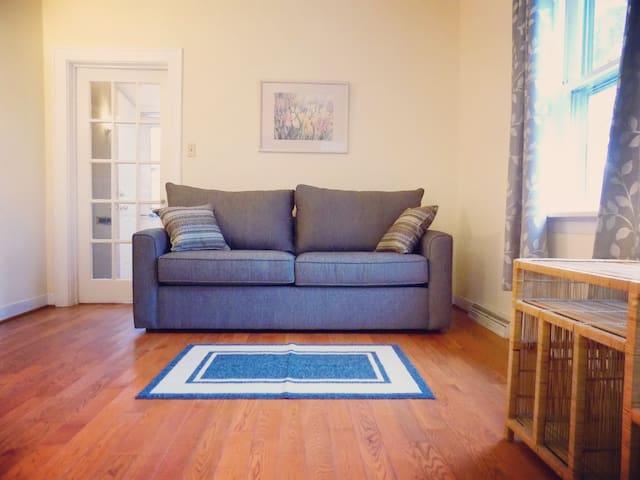 Cozy 2-Bedroom Home Near Buffalo-Niagara Airport