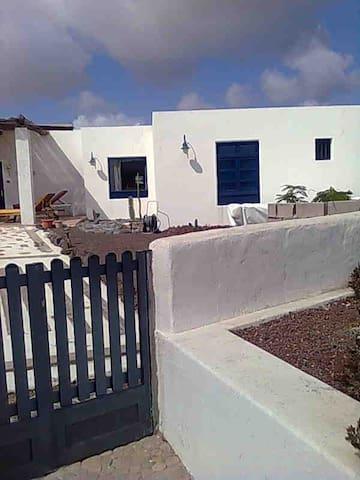 Casa en el corazón de un paraíso - Caleta del Sebo - House