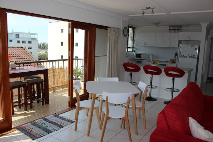 Sun and Surf in central location! - Kings Beach - Departamento