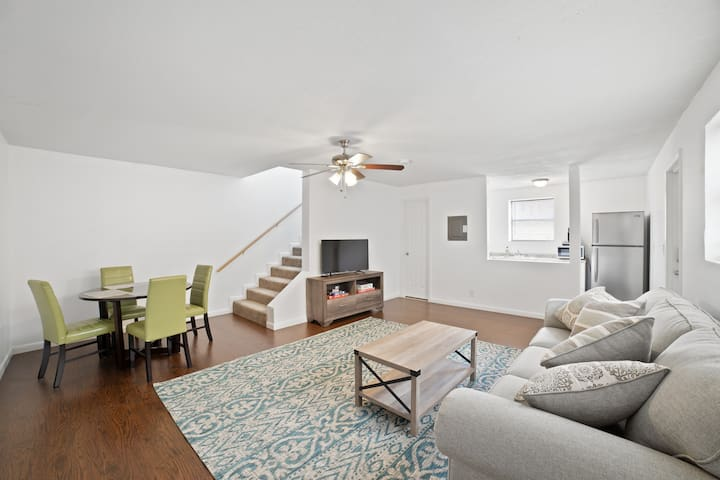 Downtown Lake Worth - 3 min from Beach - Apt D