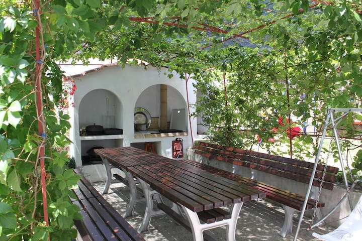 Studio flat with balcony and sea view Starigrad, Paklenica (AS-6431-c)