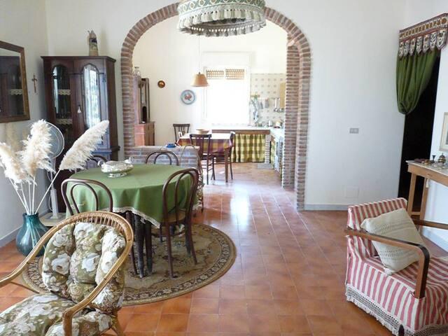 Oasi del Simeto: tra riposo e cultura - Vaccarizzo-delfino - Villa