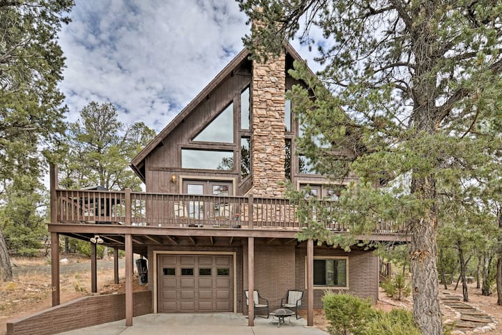 NEW! 3BR Heber-Overgaard 'Chavey Chalet' Cabin w/ Fire Pit