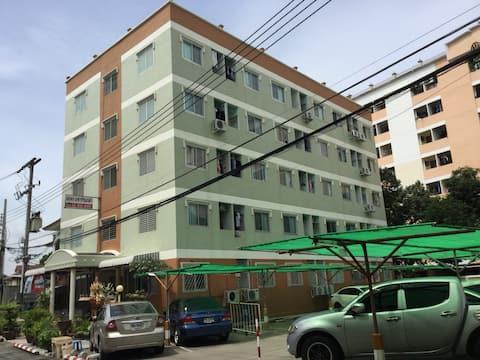 Jatuporn Apartment (จตุพร อพาร์ทเมนท์)