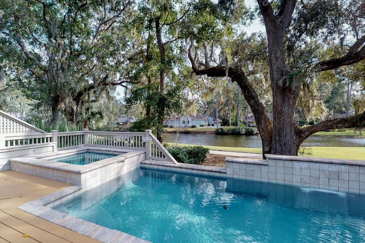 Sunny home w/ private pool, spa, lagoon & golf course views - beach nearby!