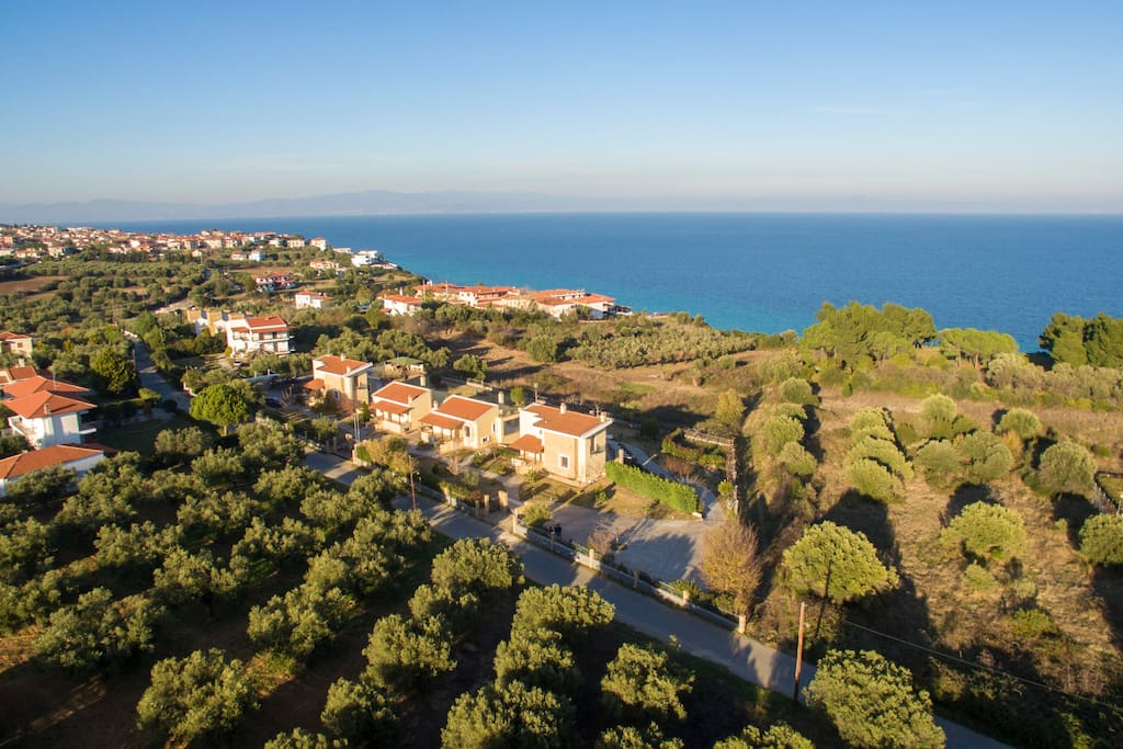 Panoramic view of the villa & the surrounding area