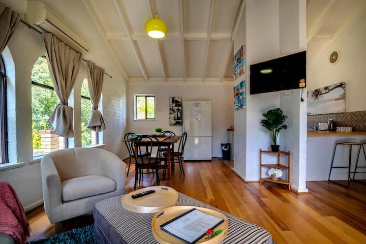 Seventh Heaven Vibrant Restful Pad Maylands/Mt Lawley side