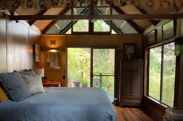 Newly Renovated Private Eco Rainforest Cabin