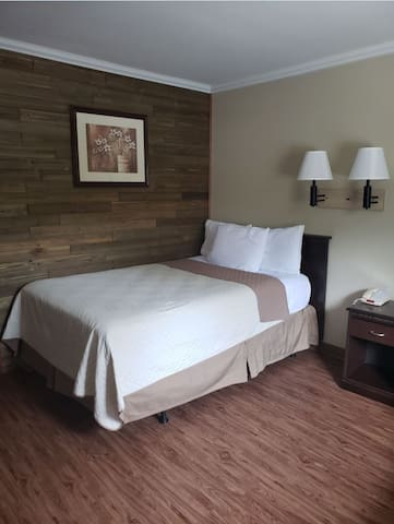 Dogwood Inn & Suites - A Deluxe Family Suite