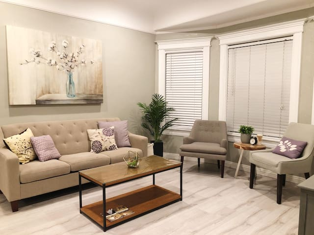 Comfortable and Relaxing home near downtown LA