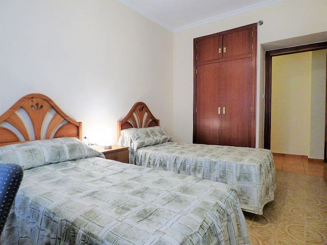 2 beds room few minutes from beach