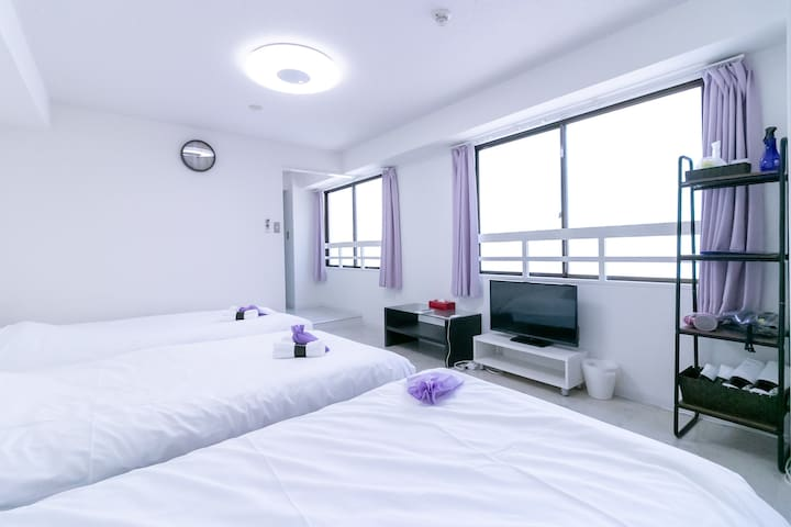 3 mins from Nankai Namba station (Namba area)