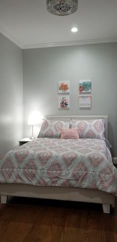 Awesome Eastie Condominium!!!    Sleeps 7 !!!