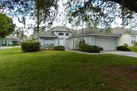 Southern Dunes 3/2 Pool Home property, fully furnished, with full kitchen, and all linens and towels. - HAINES CITY - Maison