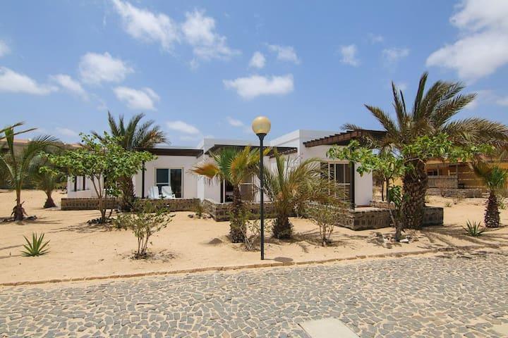 """Kriola"" Tree bedrooms House sea view Praia Chaves - Boa Vista - Ház"