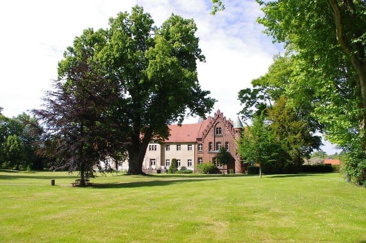 Erholung auf Schloss Jahnsfelde