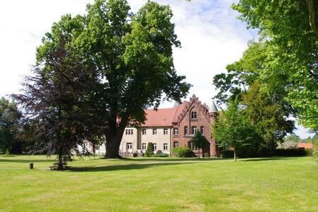 Ferienwohnung auf Schloss Jahnsfelde