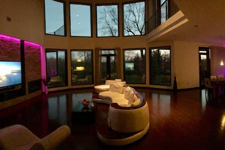 Luxury Modern Mansion, Near NYC - Orangeburg - Casa