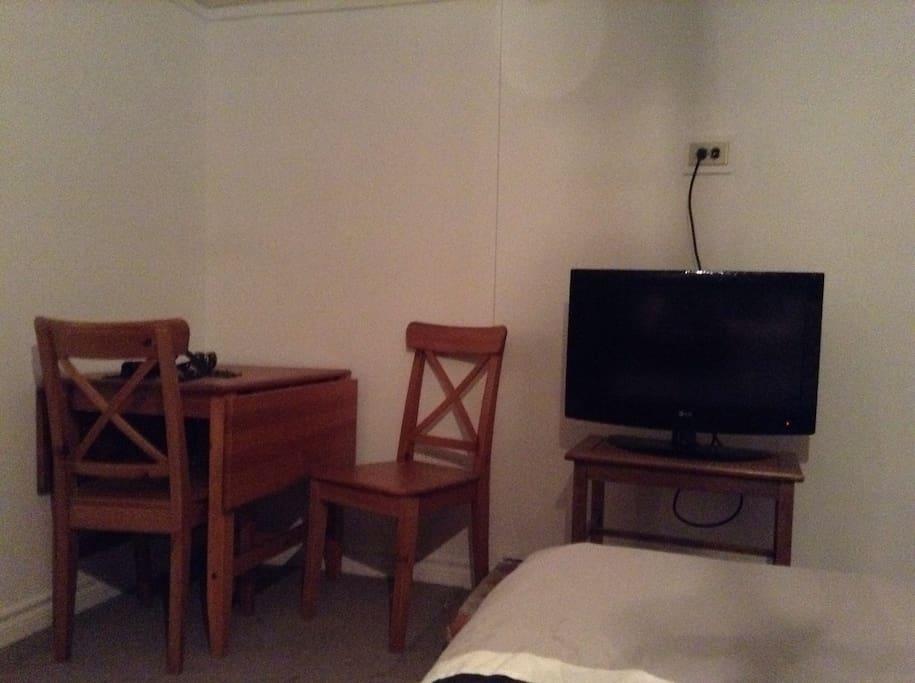 Chambre avec salle de bain priv e bungalows louer for Equipement de cuisine quebec