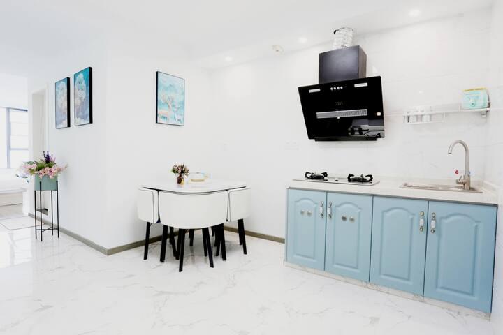 05号公寓房带阳光茶室