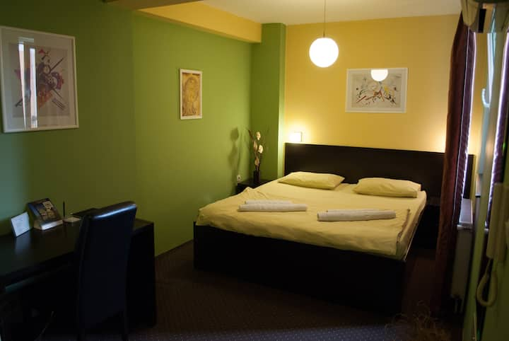 Comfortable and warm room in downtown Nis