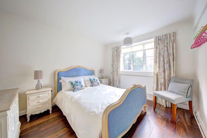 Ground floor 2 Bed Flat - SW London