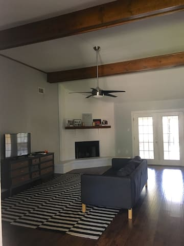 Quiet Room in Great Location - Houma - Casa