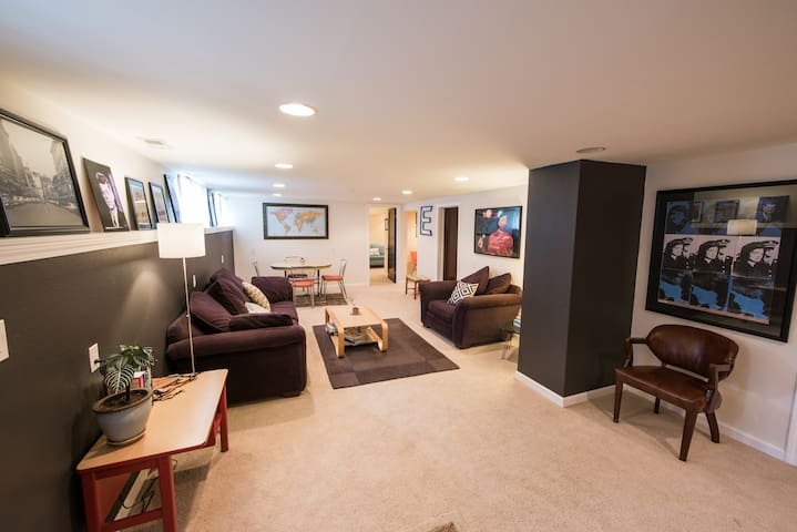 Spacious & Cozy Basement Apartment on Light Rail
