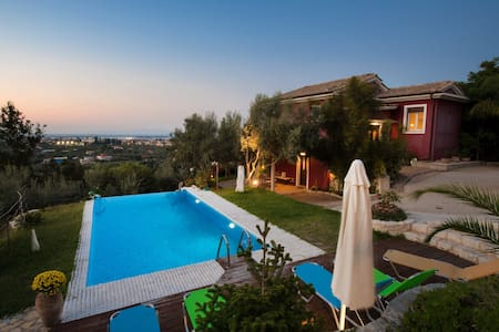 Alea Resort- Luxurious Villa Dioni - Levkas - บ้าน