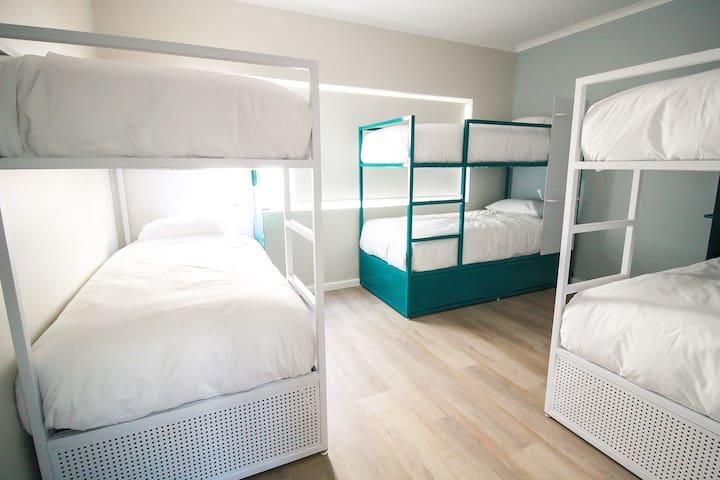 8 sleeper mixed dorm